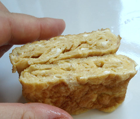 egg tamagoyaki is only about 100 calories and is great as a ...