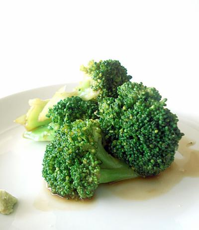 Broccoli with wasabi sauce