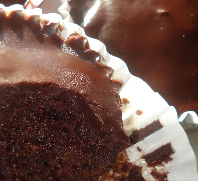 Spiced chocolate cupcakes (2)