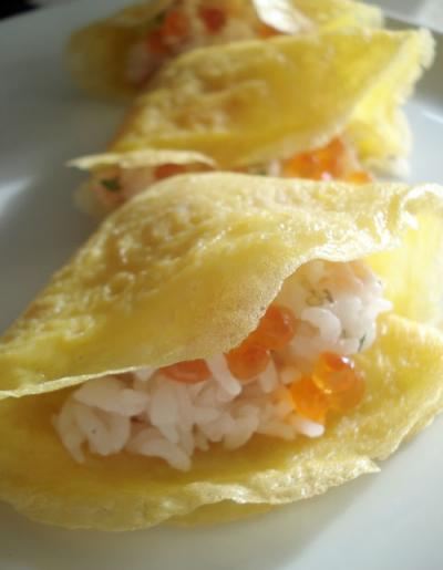 Hamaguri-zushi or flower sushi