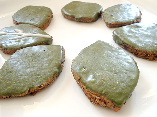 Black sesame cookies with matcha icing